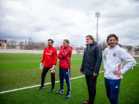 Мастер-класс звёзд футбола на «Электроне»